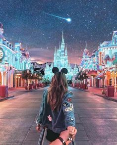 Disneyland Paris Photos - Let's take a glance at the Christmas vacation and set up it get in our concepts. Disney World Fotos, Walt Disney World, Disneyland Couples, Disneyland Photos, Disney Couples, Disneyland Outfits, Disneyland Park Paris, Disneyland Outfit Summer, Disney Outfits