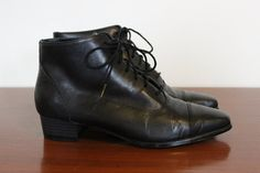black leather heel ankle boot short bootie size 1990 by bubblemars