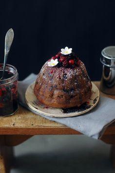 Bundt Cake berries