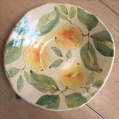 Maiolica Pottery and Watercolor ​Paintings Pottery Painting Designs, Paint Designs, Ceramic Design, Ceramic Art, Ceramic Tile Bathrooms, Bowls, Glaze Paint, Pottery Plates, Sgraffito
