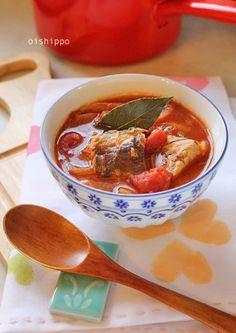 サバ缶とトマト缶でブイヤベースでほっかほか♪  缶詰を使ったレシピです。隠し味に、カレーのルーを♪にんにくをたっぷり入れると、美味しさもUP!パンにも、ごはんにもピッタリです!