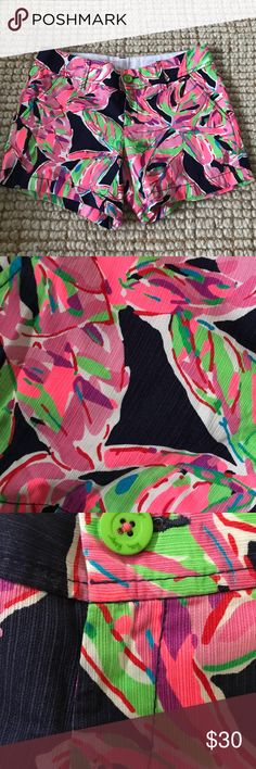 Lilly pulitzer womens shorts Size 4 Lilly pulitzer shorts Lilly Pulitzer Shorts Jean Shorts