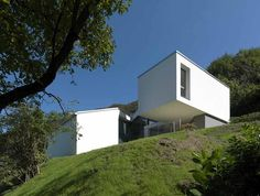 House in Carabbia by Davide Macullo Architects, Switzerland Swiss House, Urban Design, Architecture Design, Exterior, Outdoor Structures, Mansions, House Styles, Outdoor Decor, Pictures