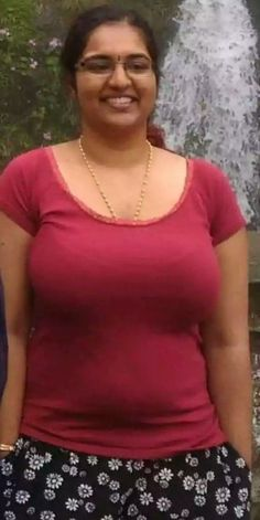 big hot desi babhi Indian Long Hair Braid, Braids For Long Hair, Beautiful Girl Indian, New Chic, Sexy Jeans, India Beauty, Beauty Women, Desi, Hot Girls
