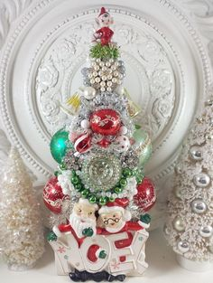 GORGEOUS Vtg Santa & Ms Claus NOEL planter bottle brush TREE elf BuMpY ornament