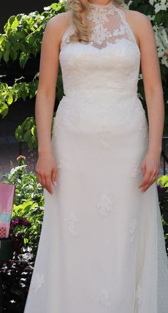 ♥ Brautkleid aus Spitze von Avenue Diagonal ♥  Ansehen: http://www.brautboerse.de/brautkleid-verkaufen/brautkleid-aus-spitze-von-avenue-diagonal/   #Brautkleider #Hochzeit #Wedding