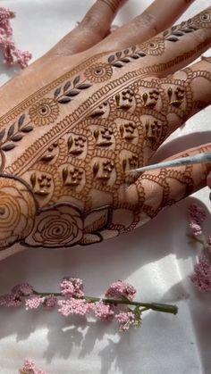 Wedding Henna Designs, Modern Henna Designs, Engagement Mehndi Designs, Floral Henna Designs, Basic Mehndi Designs, Latest Bridal Mehndi Designs, Stylish Mehndi Designs, Mehndi Designs 2018, Mehndi Designs For Girls