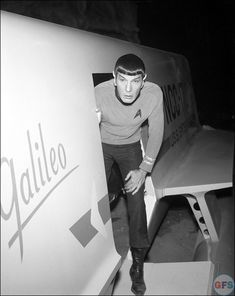 """Leonard nimoy as spock with other vulcans    ... Ballad of Bilbo Baggins."""" Vulcan lute solo! Oh my, nice plant Sulu"""