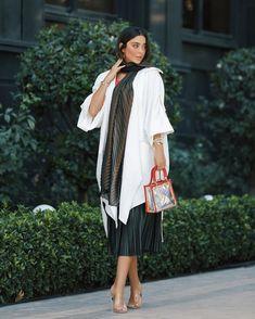 Girls Fashion Clothes, Teen Fashion Outfits, Girl Fashion, Iranian Women Fashion, Muslim Fashion, Street Hijab Fashion, Kimono Fashion, Beautiful Casual Dresses, Nice Dresses