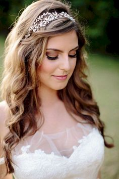 Wedding headpiece Wedding hairstyles with tiara Crystal headpieces Bridal halo bridal hair accessories Haarband Haarschmuck Bridal Tiara – formal hairstyles Wedding Hairstyles For Long Hair, Wedding Hair And Makeup, Formal Hairstyles, Down Hairstyles, Hair Wedding, Wedding Veils, Wedding Headband Hairstyles, Wedding Dress, Twisted Hairstyles