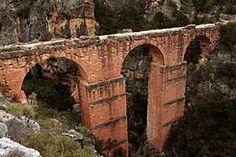 El Acueducto romano de Peña Cortada, también Acueducto de La Serrada o Acueducto de La Serranía discurre por los municipios de Tuéjar, Chelva, Calles y Domeño, en la Provincia de Valencia.