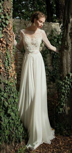 comment porter la robe de mariage, robe de mariée simple longue en blanc