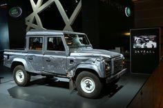 """#Defender #Pick Up doble cabina utilizado en el rodaje de la nueva película de James Bond, """"Skyfall""""."""