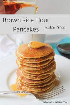 Clean eating and gluten free go hand in hand with these Brown Rice Flour Pancakes that will become one of your go to recipes. Drizzle with pure maple syrup for a breakfast to remember … and repeat! Brown Rice Flour Pancake Recipe, Rice Flour Recipes, Rice Pancakes, No Flour Pancakes, Gluten Free Pancakes, Gluten Free Rice, Gluten Free Baking, Rice Flour Cookies, Pancake Recipes