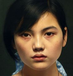 Chinese artist Leng Jun is a master of photorealism. His hyperrealistic portraits are incredibly lifelike and show every detail of his sitter. Pastel Drawing, Painting & Drawing, Landscape Illustration, Illustration Art, Kinder In Not, Hyper Realistic Paintings, Simple Portrait, Mona Lisa, China Art
