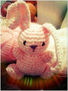Conejo chico técnica amigurumi.