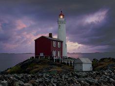 Résultats Google Recherche d'images correspondant à http://www.fisgardlighthouse.com/images/lighthouse%2520008(1).jpg