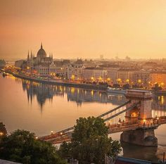 Budapest, Hungary ~ ღ Skuwandi Places To Travel, Places To See, Wonderful Places, Beautiful Places, Wachau Valley, Capital Of Hungary, Budapest Travel, Hungary Travel, Europe
