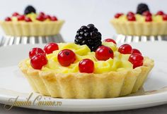 Mini tarte cu fructe (CC Eng Sub) Romanian Desserts, Romanian Food, Romanian Recipes, Savoury Cake, Savoury Dishes, Cake Recipes, Dessert Recipes, Jam Tarts, Salty Cake