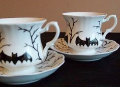 Hand paint thrift store teacups for a spooky Halloween cup of tea! Holidays Halloween, Halloween Crafts, Happy Halloween, Halloween Decorations, Halloween Party, Halloween Dishes, Halloween Ideas, Halloween Kitchen, Halloween Garland