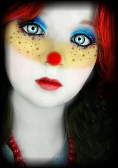 non scary halloween costumes make up ideas cute clown make up red wig
