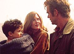 Smallville, Martha and Jonathan find Clark
