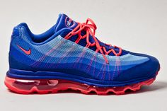 Nike is dropping a solar red colourway for the Air Max 95 Dynamic Flywire model. The sneakers will drop in however at this point we are not able to share an exact date or indication of the re… Nike Air Max 2012, Air Max 95, Nike Free Shoes, Nike Shoes, Sneakers Nike, Nike Outfits, Casual Outfits, Sneakers N Stuff, Nike Design