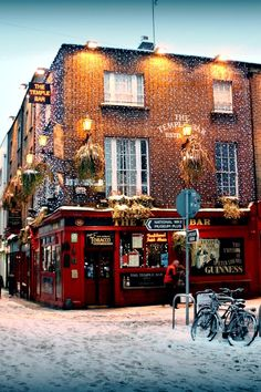 Christmas in Temple Bar, Dublin, Ireland.