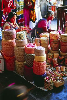 Mercado Benito Juarez,Oaxaca, Mexico. These baskets are so beautiful to look at that I'd fill a room with them if I could.