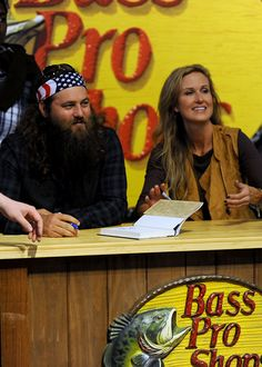 Willie Robertson and his wife Korie at the Bass Pro Shop in Nashville. Favorite place to go when I get home to Nashville! Willie Robertson, Robertson Family, Duck Dynasty Cast, Nashville Shopping, You Don't Know Jack, Miss Kays, Duck Commander, Quack Quack, Family Values