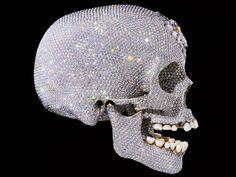 Ein Diamantenschädel von Damien Hirst.