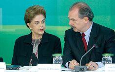 Presidente Dilma e o ministro da Educação, Aloizio Mercadante, participam de reunião com reitores de universidades federais, em Brasília (DF)