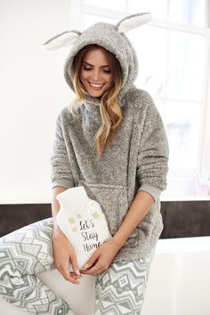We can't wait to snuggle up with the Cosy Collection. Soft, warm & so cute! #cosy #hunkemoller #newcollection