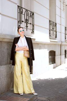 Blazer BALMAIN x H&M Blouse CHARO RUIZ Trousers DAVID CHRISTIAN Sunglases FENDI Bag INTROPIA Ballerinas LOUIS VUITTON