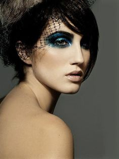 CHIC BEAUTY l teal eyes l nude lip l Smashbox cream shadow in Neptune http://www.smashbox.com/product/6029/21789/Eyes/Eye-Shadow/LIMITLESS-15-HOUR-WEAR-CREAM-SHADOW/index.tmpl