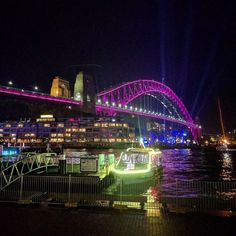 Follow us on insta: http://ift.tt/2rKTbbc -- @vamosfugirblog -- Sydney Harbour Bridge!!  #vividsydney #australia #sydney #vamosfugirblog #lights #ilovesydney #harbourbridge #luz #iloveaustralia June 05 2017 at 10:43AM