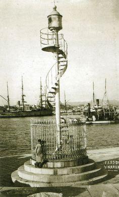 1900 Harbor Light Vinaros.