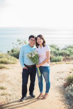 John and Jiyoung's adorably sweet and simple engagement session at Torrey Pines State Beach in San Diego, California is definitely worth checking out if you're planning a simpler engagement session. Photos by Studio Sequoia. #engagementsession #torreypines #sandiegowedding #torreypinesengagement #studiosequoia