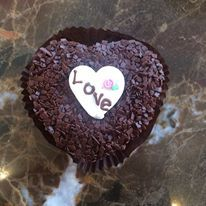 Pretty AND Delicious! Valentine Day Love, Frost, Chocolate, Pretty, Desserts, Gifts, Classic, Presents, Derby