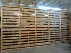 #Pallet Wall (room divider or partition) http://dunway.info/pallets/index.html