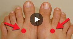 Press THIS Point For 2 Minutes And See The Wonders - Trend Morgens Gesichtspflege 2020 Foot Pressure Points, Acupressure Treatment, Reflexology Massage, Body Hacks, Christmas Nail Designs, What Happened To You, Body Treatments, Dollar Store Crafts, Feet Care
