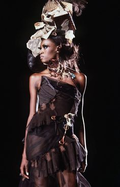 John Galliano, Galliano Dior, Dior Haute Couture, Dior Fashion, 2000s Fashion, Fashion Hair, Fashion Women, 2000 Fashion Trends, Christian Dior