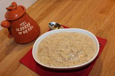 Porridge with honey and sesame seeds