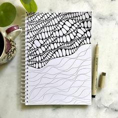 Easy but effective doodle design cartoon doodle drawings в 2 Zentangle Drawings, Doodles Zentangles, Doodle Drawings, Doodle Art, Zen Doodle, Easy Zentangle, Doodle Designs, Doodle Patterns, Zentangle Patterns