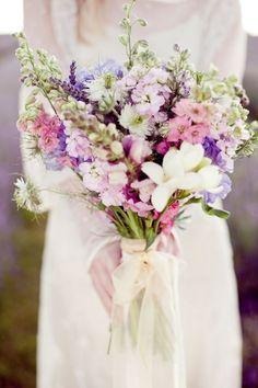 buquê desestruturado flores do campo - lilás