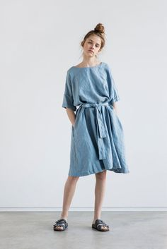 Washed and soft linen dress with sleeves. The dress is little A - line shape and can be worn with the belt or without. The belt is included. -