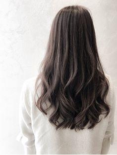 Emuest心斎橋 暗髪×バレイヤージュ、大人髪、デジタルパーマ - 24時間いつでもWEB予約OK!ヘアスタイル10万点以上掲載!お気に入りの髪型、人気のヘアスタイルを探すならKirei Style[キレイスタイル]で。