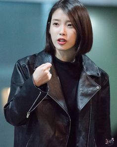 Pin by Marie Apple on hairy in 2020 Iu Short Hair, Asian Short Hair, Asian Hair, Short Hair Styles, Medium Bob Hairstyles, Cute Hairstyles, Iu Hairstyle, Korean Beauty, Hair Inspo