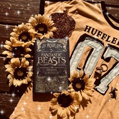 Hufflepuff and Fantastic Beasts Harry Potter Houses, Harry Potter Facts, Harry Potter Universal, Harry Potter World, Hogwarts Houses, Ravenclaw, Hufflepuff Pride, Ginny Weasley, Jk Rowling Fantastic Beasts