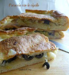 Vuoi la ricetta di una #focaccia #goduriosa per il #sabato o la #domenicasera? Allora eccola!  http://www.ipasticciditerry.com/focaccia-le-cipolle/